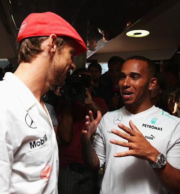 Дженсон Баттон и Льюис Хэмилтон на вечеринке в честь 50-летия McLaren на Гран-при Италии 2013