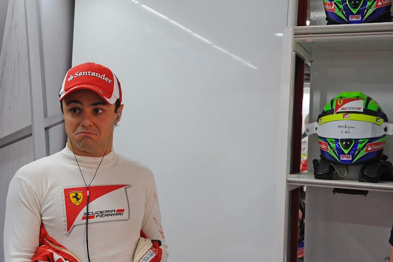 Фелипе Масса с забавным лицом на Гран-при Индии 2011