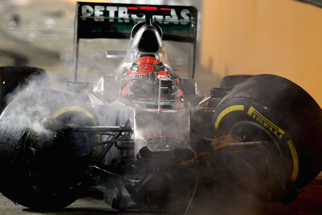 разбитый болид Mercedes Михаэля Шумахера на Гран-при Сингапура 2012
