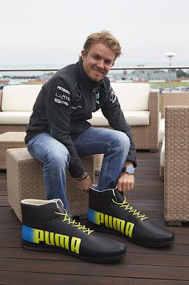 Нико Росберг в больших ботинках Puma на Гран-при Великобритании 2013