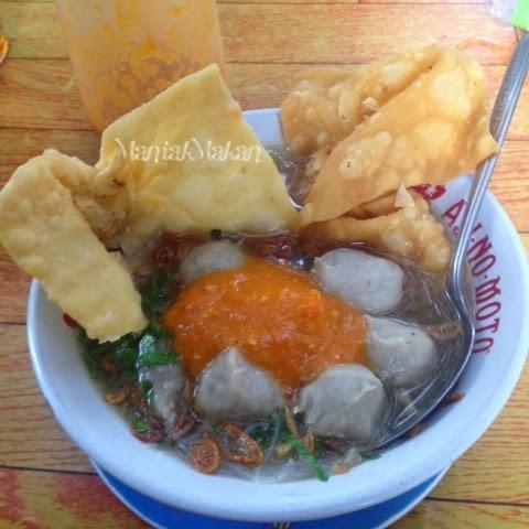 Maniak Makan Bakwan Malang Sedap Indonesia