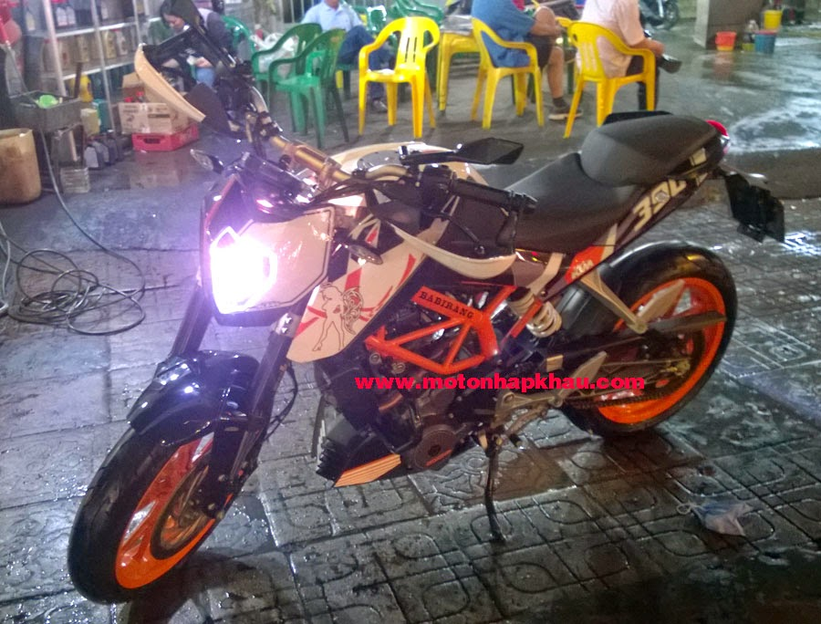 KTM 390 Duke Độ