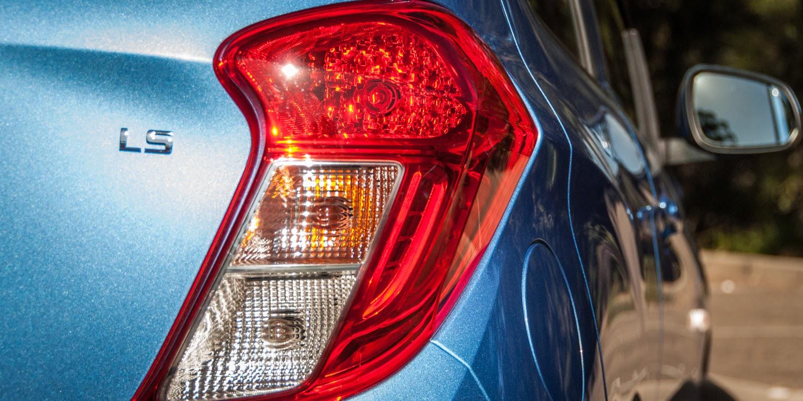 Đánh giá xe Holden Spark 2016