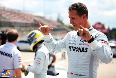 рок Михаэль Шумахер на трассе Нюрбургринга в дни уикэнда Гран-при Германии 2011