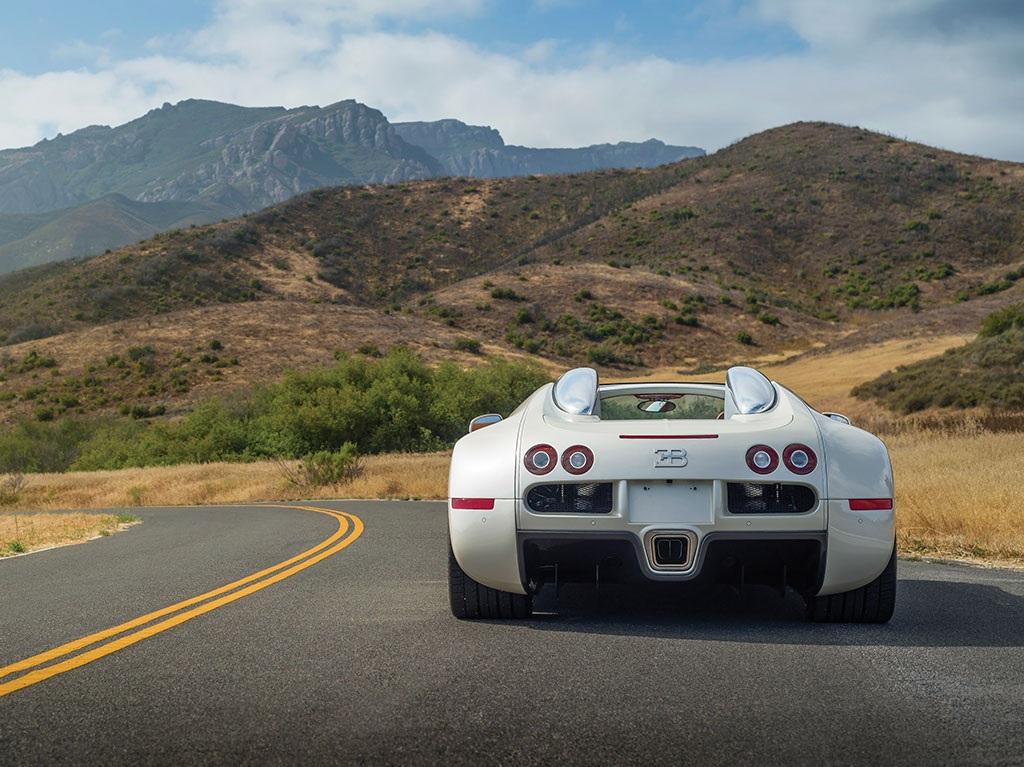 Bugatti Veyron lập những kỷ lục vô tiền khoáng hậu từ lúc xuất hiện đến lúc ra đi