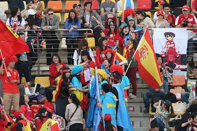 болельщики Фернандо Алонсо на трибунах Шанхая на Гран-при Китая 2013