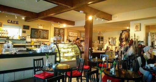 Beach Grove Cafe, 1269 Beach Grove Rd, Delta, BC V4L 1N5, Canada, Cafe, state British Columbia