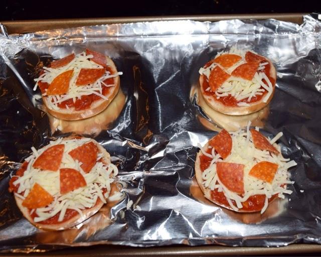 Easy Mini Pizza Bagels