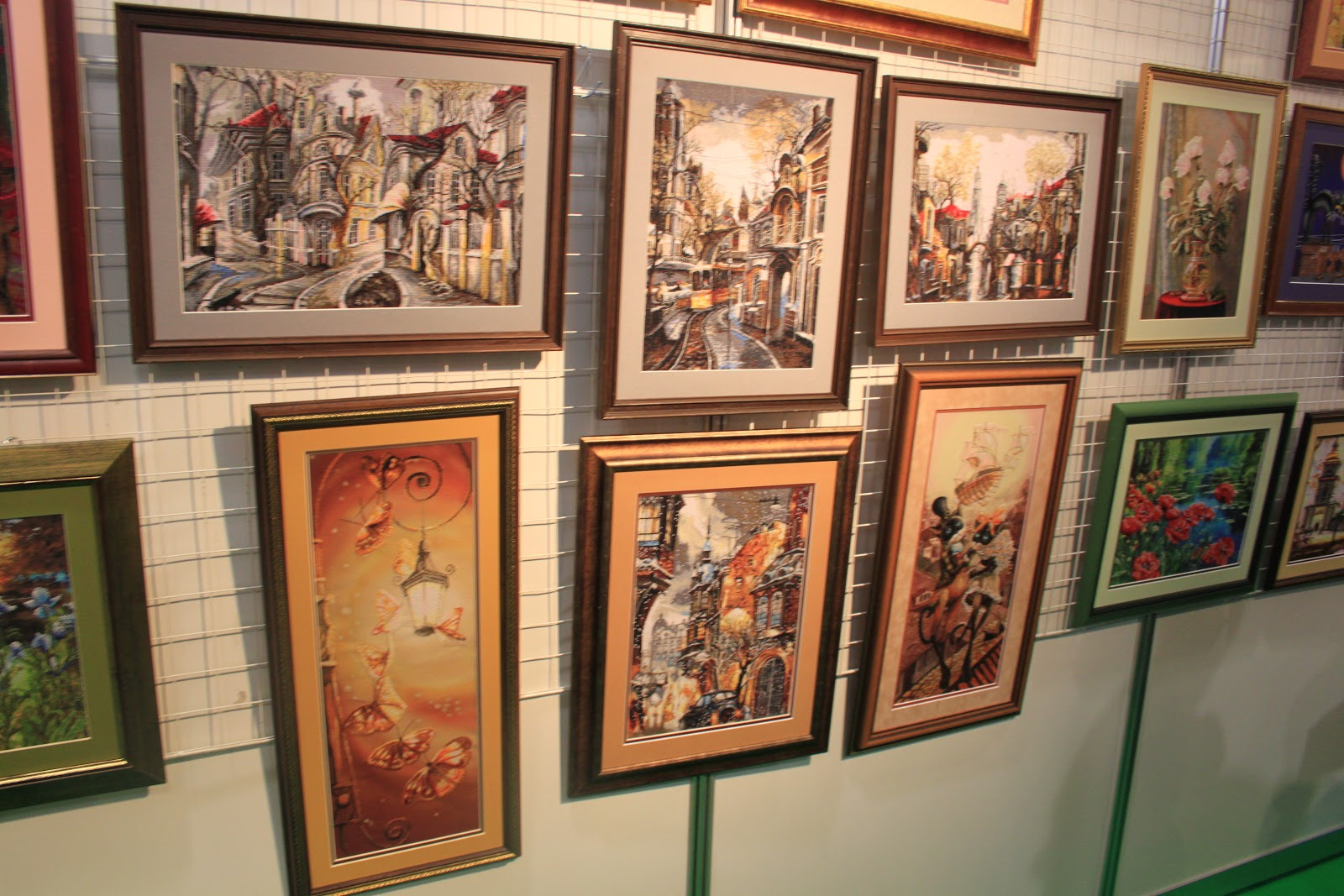 Выставка работ вышивки крестом 60
