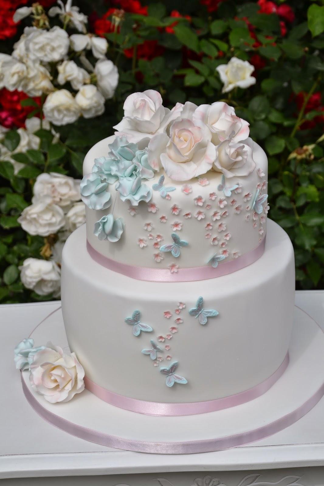 Acconciature24 acconciature per comunione bimba for Decorazione torte prima comunione