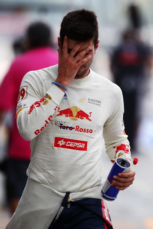 фэйспалм Хайме Альгерсуари на Гран-при Италии 2011