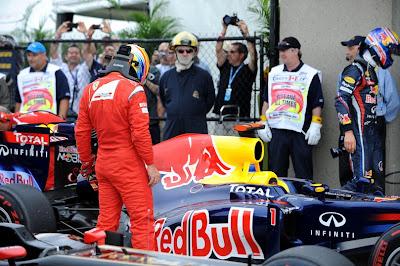 Фернандо Алонсо шпионит за Red Bull на Гран-при Канады 2011