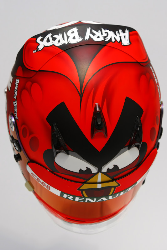шлем Angry Birds Хейкки Ковалайнена 2012 - вид сверху
