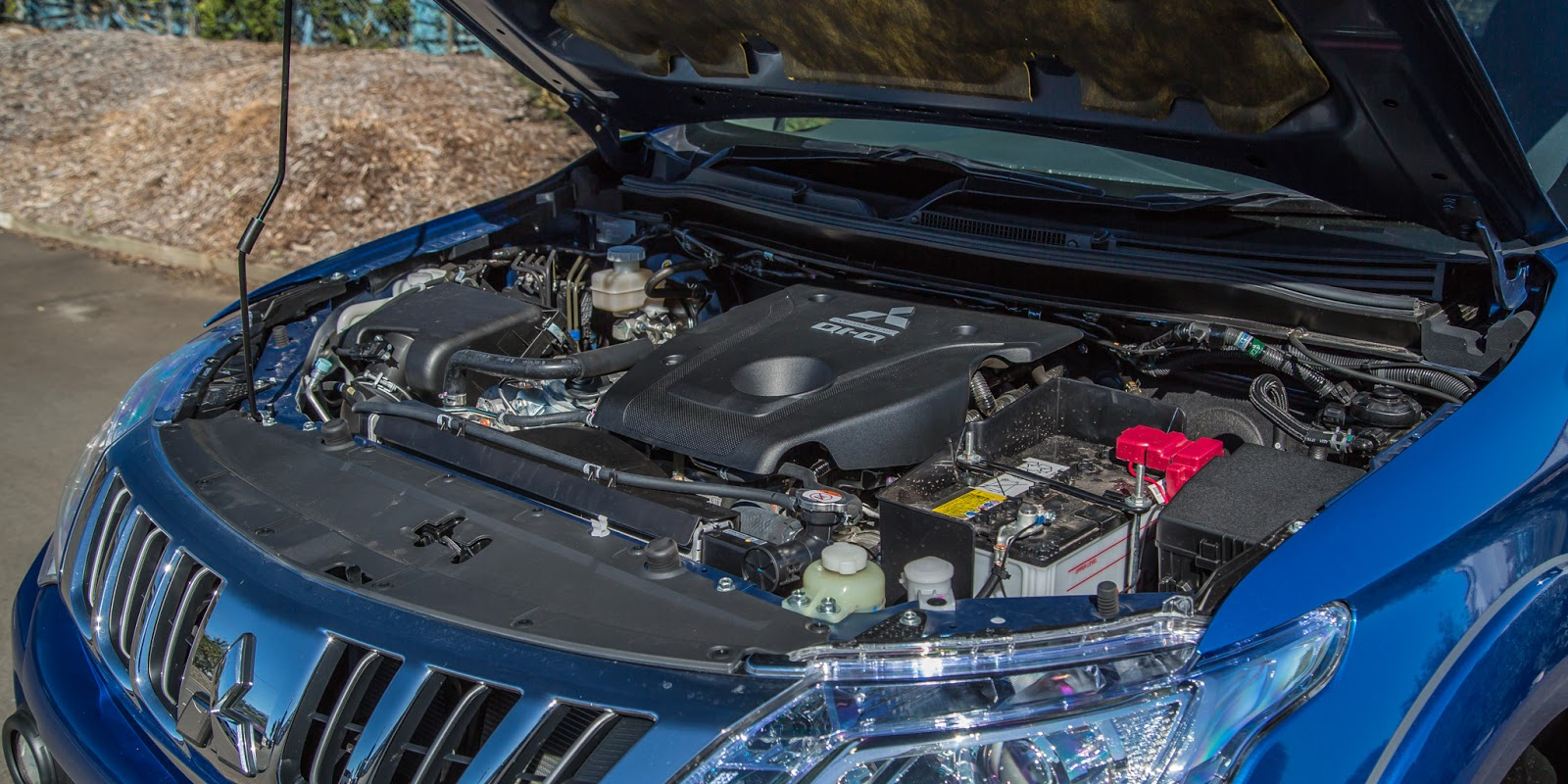 Xe sử dụng động cơ diesel V4 2,4 lít và 2,5 lít giúp tiết kiệm nhiên liệu như sức mạnh vượt trội
