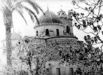 Panorámica exterior de la Iglesia de los Santos Juanes. Años 70. (Charles). Biblioteca Municipal de Catral