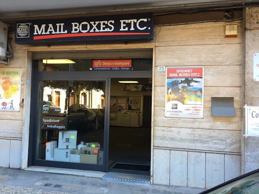 Mail boxes etc mbe 654 francavilla fontana via for Due palme arredamenti