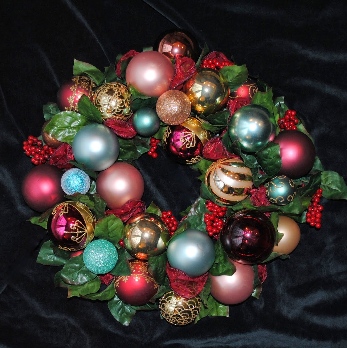 Joy Christmas Ornament Wreath Centerpiece OWR8035