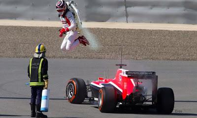 Макс Чилтон и jetpack - фотошоп прыжка на тестах в Бахрейне 21 февраля 2014