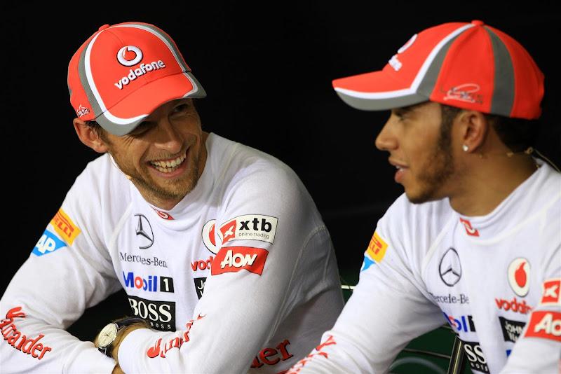 Дженсон Баттон и Льюис Хэмилтон на пресс-конференции в субботу на Гран-при Бразилии 2012