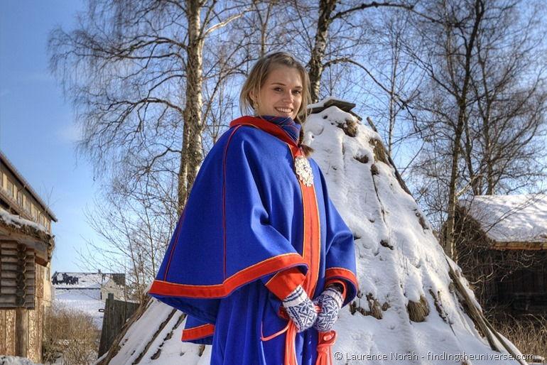 Sami-Mädchen im Freilichtmuseum Oslo