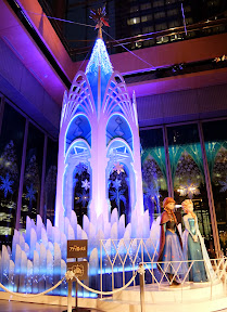 丸ビル「アナと雪の女王」の氷の城ツリー