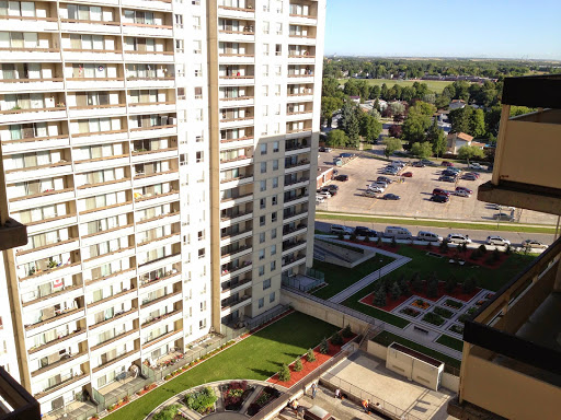 Courts of St James Apartments, 2727 Portage Ave, Winnipeg, MB R3J 0R2, Canada, Apartment Building, state Manitoba
