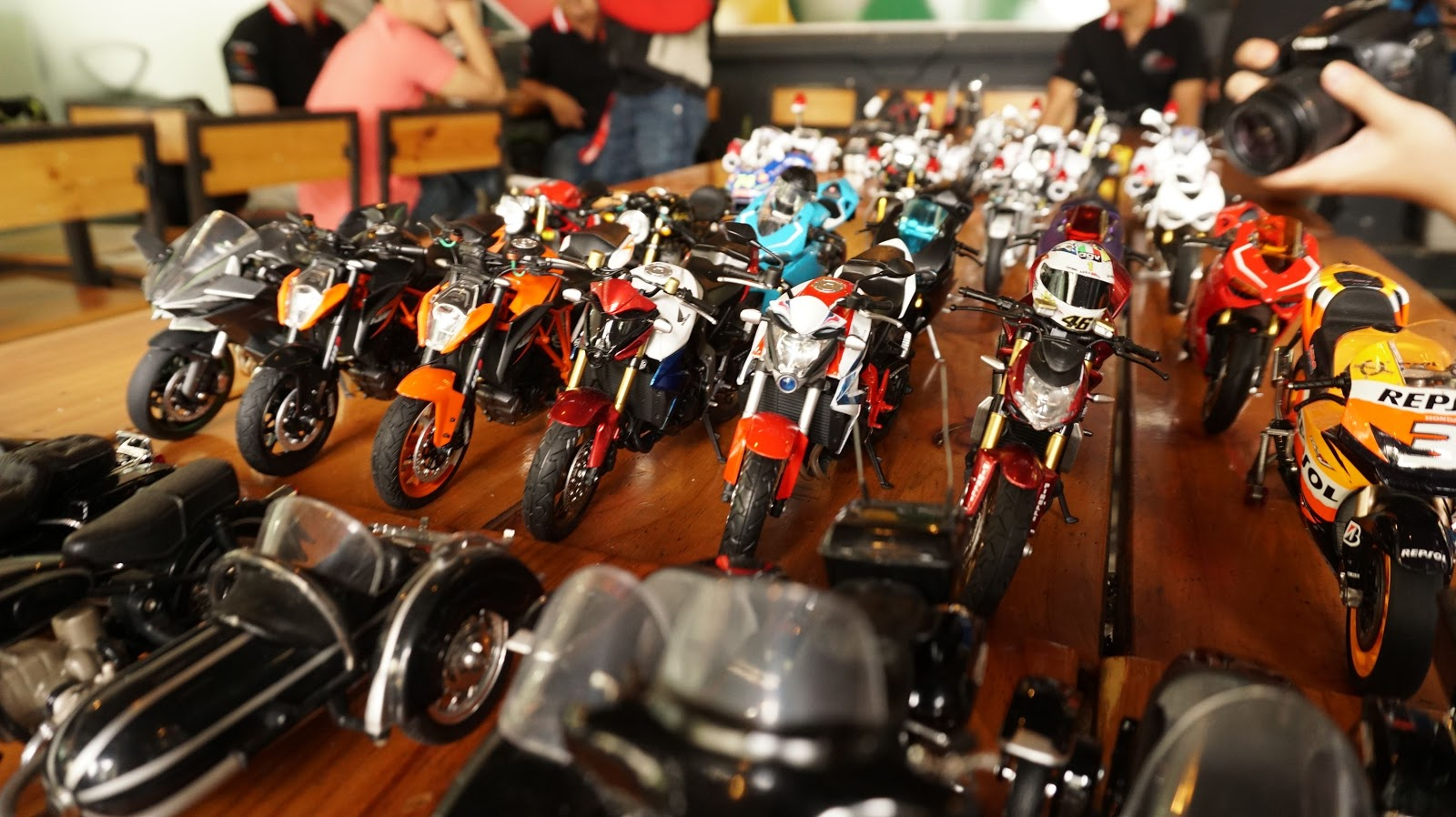 Mô hình siêu xe của Kawasaki, Ducati, Suzuki, Honda...đều tụ hội