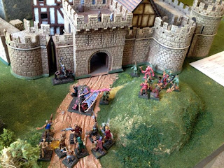 Vampire forces asaulting the south wall