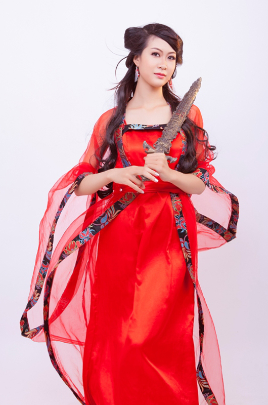 Mỹ nữ Việt quyến rũ với cosplay Thiên Địa Quyết - Ảnh 4