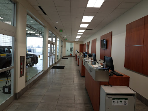 Ford Dealer Suburban Ford Of Sterling Heights Reviews And Photos