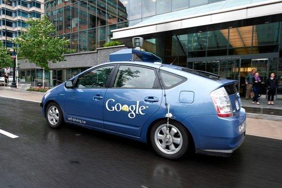 谷歌无人驾驶汽车想上路?先说服政府议员