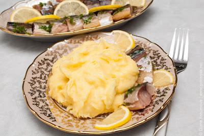 копченая скумбрия с картофельным пюре