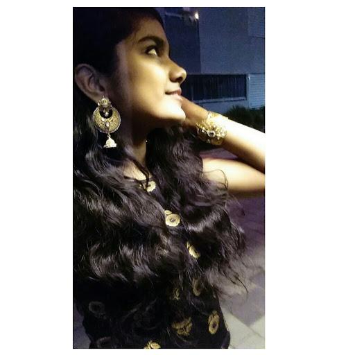essay on mumbai in sanskrit