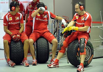механики Ferrari сидят на резине Pirelli на Гран-при Сингапура 2011