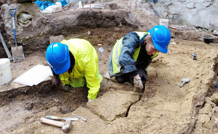 Roman fresco unearthed in London