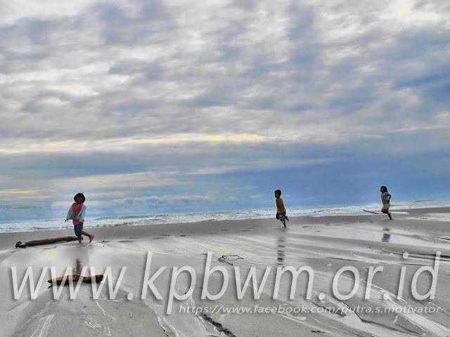 pantai baurung campalagian polman
