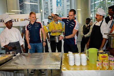 Пастор Мальдонадо и Вальтери Боттас готовят на Гран-при Малайзии 2013
