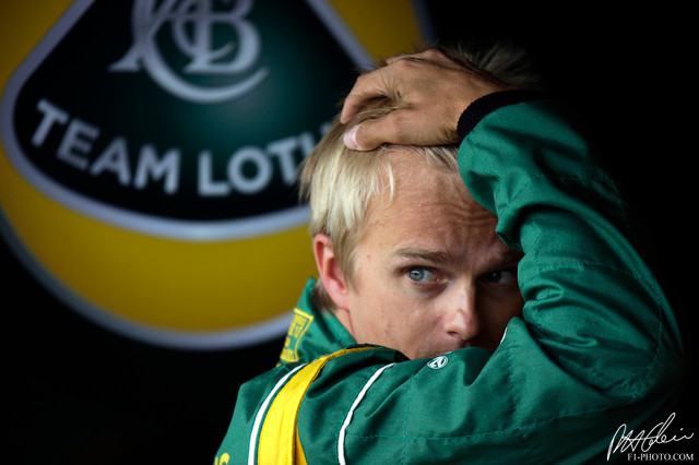 мистический Хейкки Ковалайнен на Гран-при Великобритании 2011 в Сильверстоуне