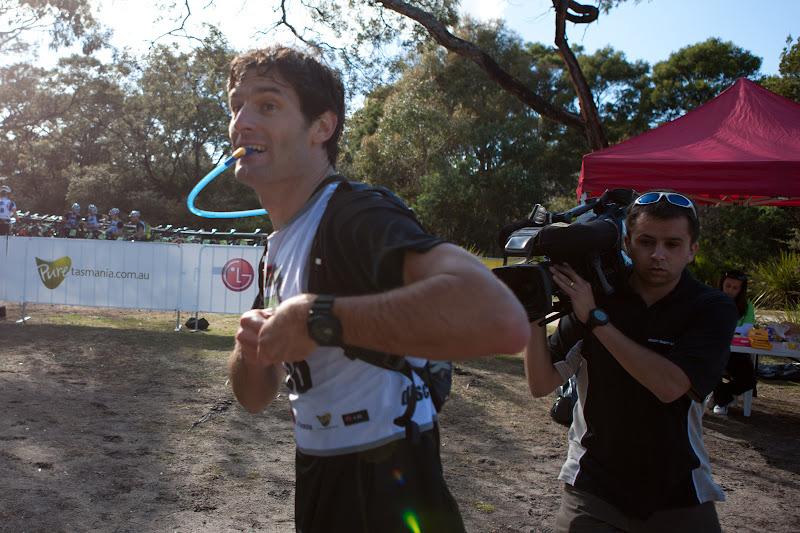 Марк Уэббер бегает в Тасмании 7 декабря 2011