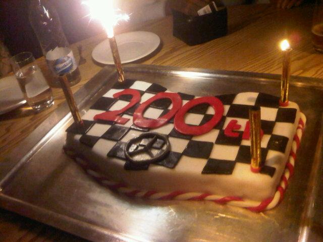 торт Дженсону Баттону в честь его 200-го старта на Гран-при Венгрии 2011