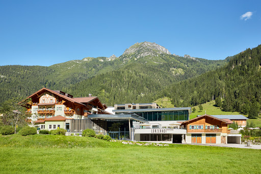 Alpine Life Resort Lürzerhof, Dorfstraße 23, 5561 Untertauern, Österreich, Bowlingbahn, state Salzburg