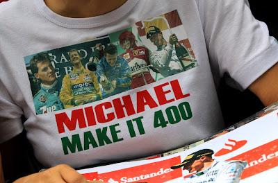 Michael make it 400 - футболка болельщиков Михаэля Шумахера на Гран-при Бельгии 2012