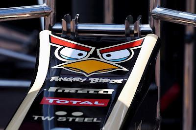 Angry Birds на носовом обтекателе Lotus F1 Team на Гран-при Монако 2012