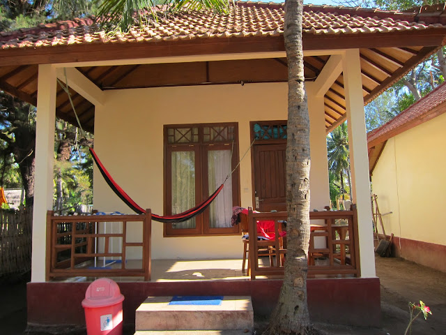 Our bungalow, just a few steps away from the beach.