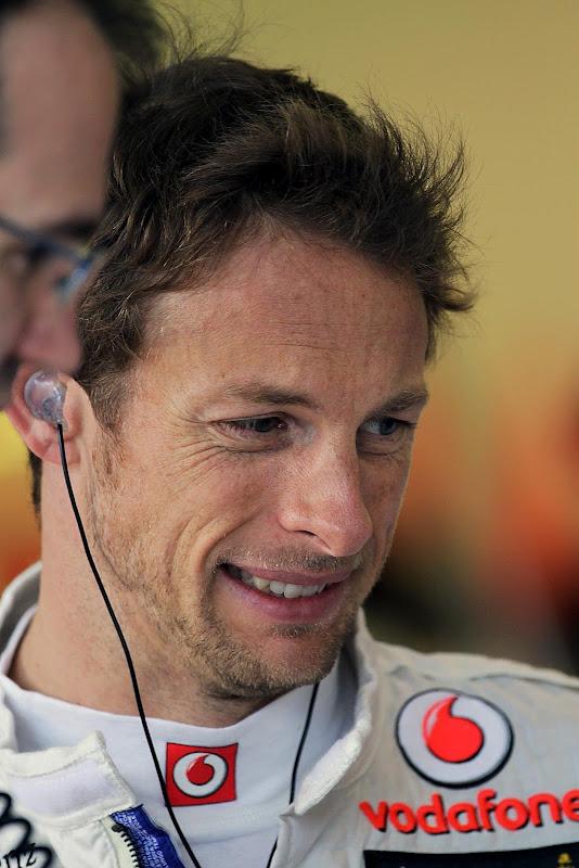 Дженсон Баттон с забавным выражением лица на Гран-при Австралии 2012