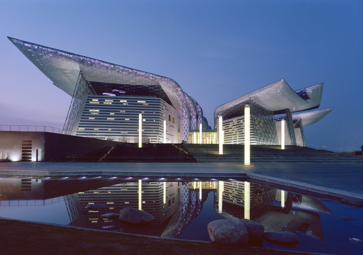 631号 Jiefang South Rd, Chong'an, Wuxi, Chiangsu, Cina, 214001: Wuxi Grand Theatre by Pesark