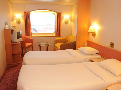 Super Star Aquarius - Oceanview Stateroom with Window ( Cabin )