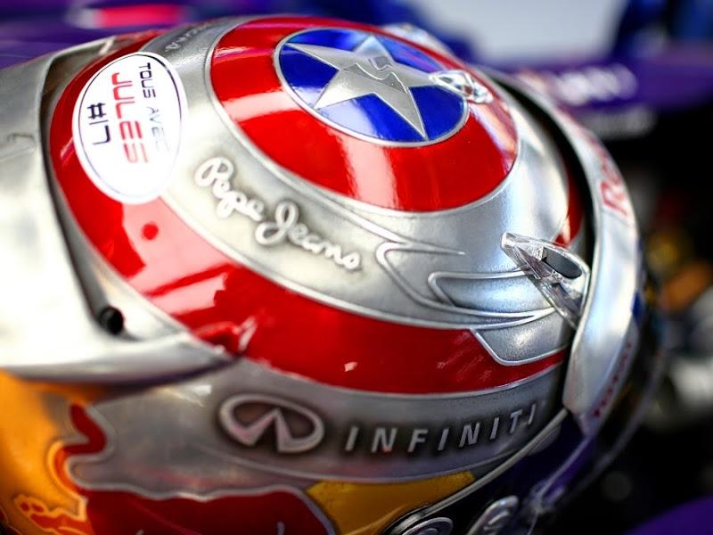 шлем Капитан Америка Себастьяна Феттеля для Гран-при США 2014