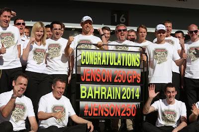 Дженсон Баттон отмечает свой 250-й ГП на Гран-при Бахрейна 2014