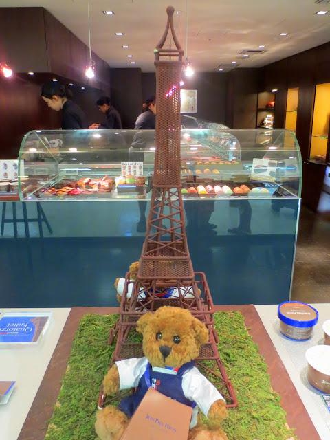 A chocolate tower at Iwataya